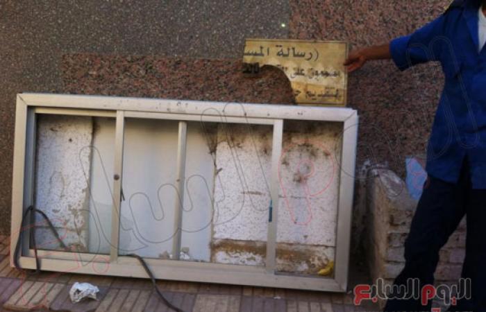 بالصور.. آثار اقتحام مستشفى قوص فى أحداث أمس بقنا