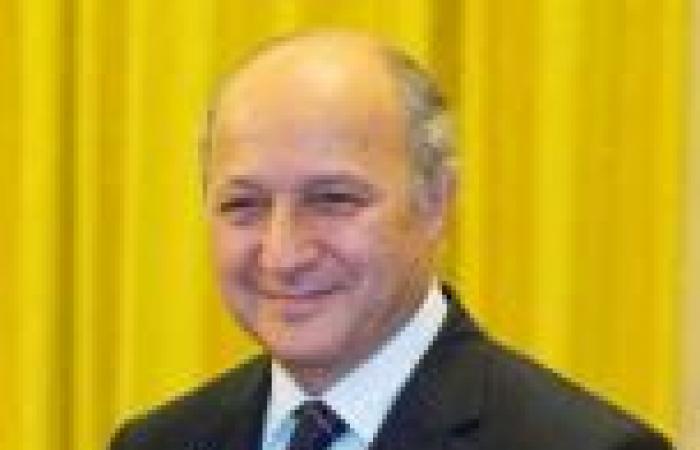 «فابيوس»: يجب أن نرد «بالقوة» إذا ثبت حدوث هجوم كيماوي في سوريا