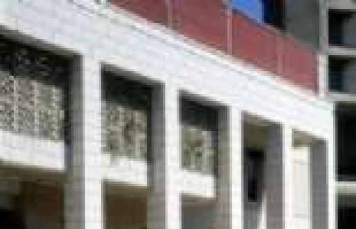 السفارة الأمريكية تطالب رعاياها بالابتعاد عن مناطق مظاهرات الغد