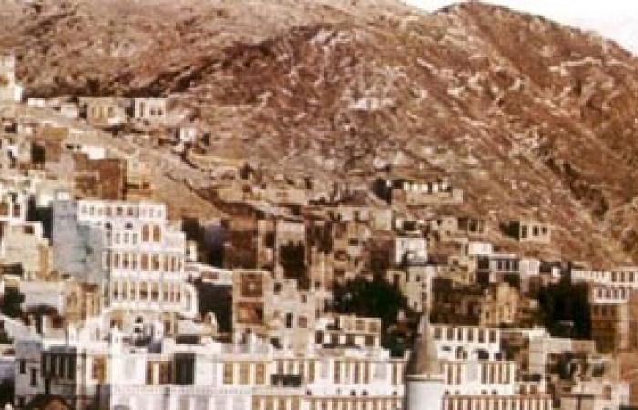 نزوح عشرات الأسر بمديرية بنى العوام فى اليمن نتيجة انهيارات صخرية