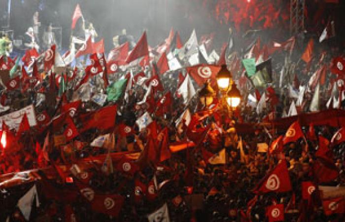 المعارضة التونسية تطالب باستقالة الحكومة الإسلامية