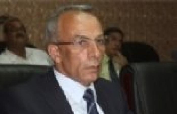 محافظ شمال سيناء يعقد اجتماعا لبحث توفير السلع والخدمات للمواطنين