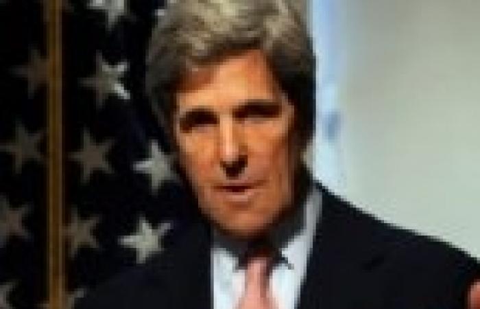 «كيرى» يبحث مع «فهمى» هاتفياً تنفيذ خريطة الطريق والوضع فى سوريا