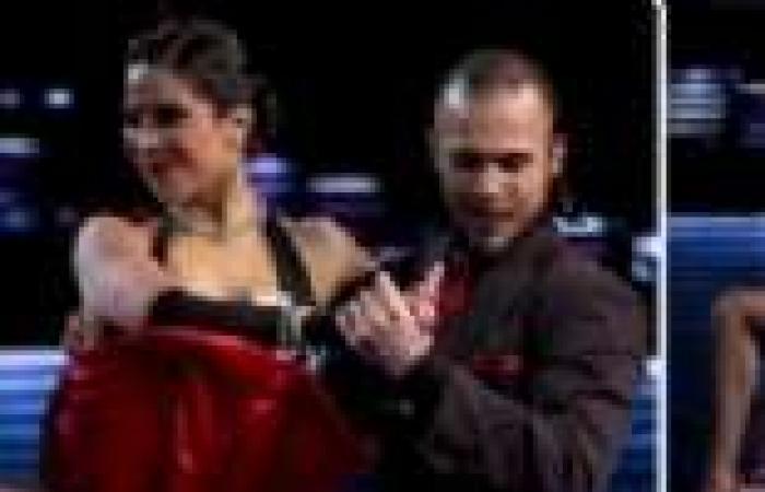 بالصور  تنافس راقصي التانجو في الدور النصف النهائي من المسابقة العالمية