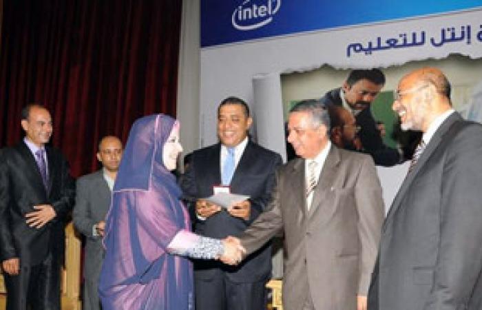 """""""أبو النصر"""" يكرم تعليم الغربية لحصولها على المركز الأول فى مسابقة """"إنتل"""""""