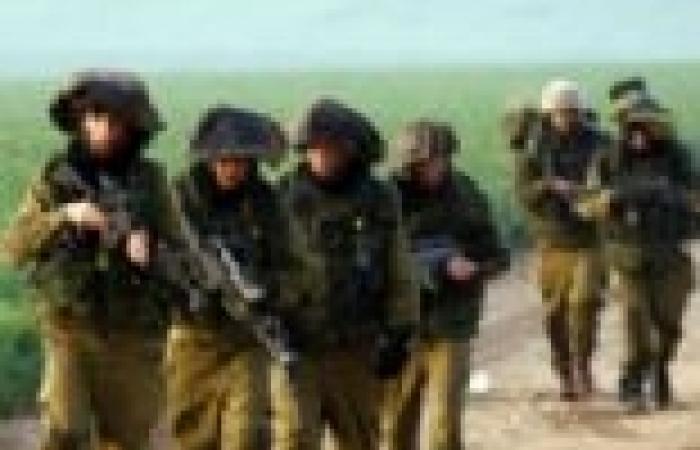 60 مجندًا إسرائيليًا بزي عسكري يقتحمون المسجد الأقصى