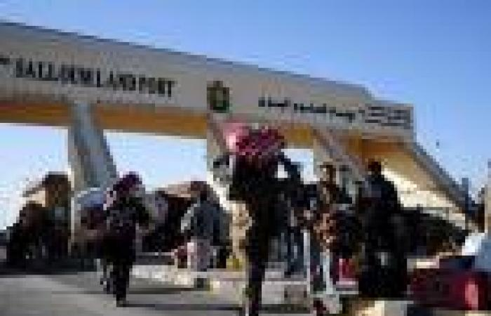السلطات الليبية تجبر طائرة مصرية للعودة إثر اكتشاف 160 تأشيرة مزورة