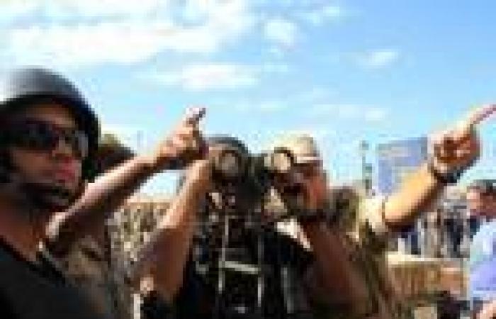 بالصور.. الجيش يكثف تواجده بمحيط مسيرة لـ«الإخوان» أمام قسم الرمل بالإسكندرية