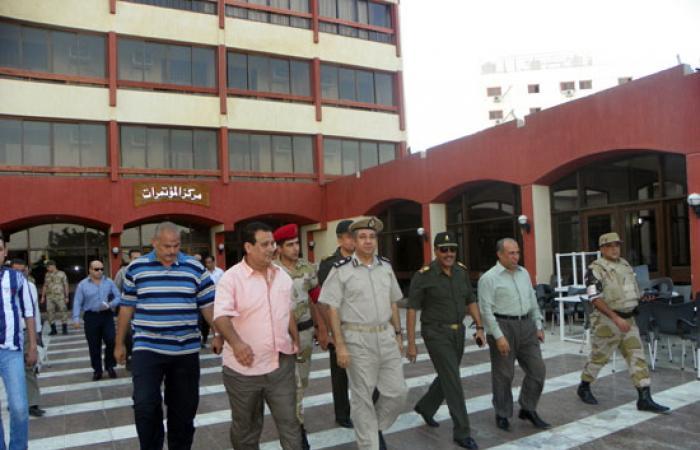 رئيس أركان الحرب الإلكترونية بالجيش يزور قوات تأمين بنى سويف
