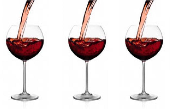 دراسة: كأس واحد من النبيذ يؤدى إلى تبلد الإحساس
