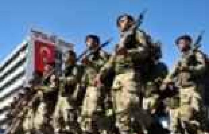 تركيا تبدأ في إنشاء قاعدة عسكرية على حدود اللاذقية