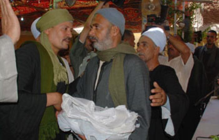 """محافظ سوهاج يشهد صلحًا بين عائلتين بقرية """"بلصفورة"""""""