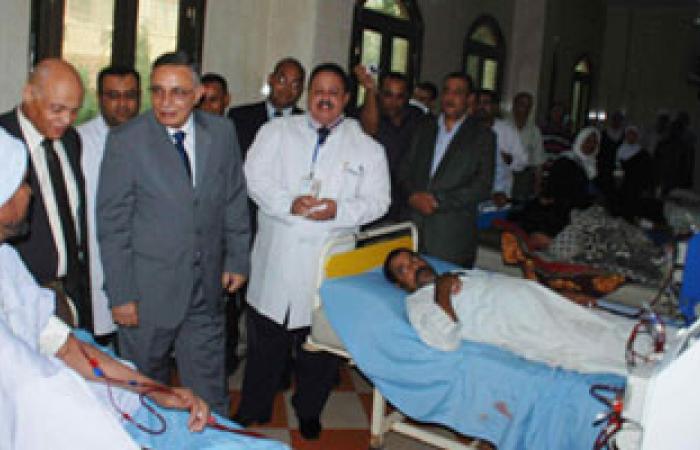 محافظ سوهاج يزور مستشفى طهطا والمنطقة الصناعية والمخبز الآلى