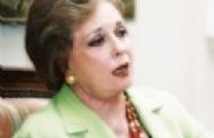 جيهان السادات: القذافي طلب يد ابنتي لأحمد قذاف الدم وهي طفلة