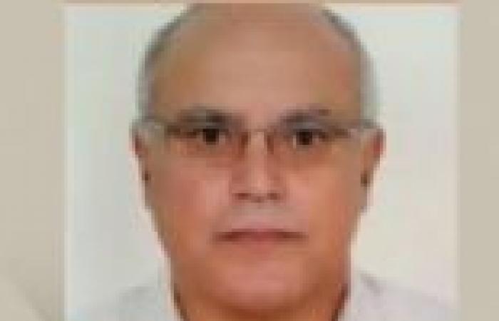 """القوى الثورية والعاملون بجامعة الزقازيق يهاجمون سياسة رئيسها """"الإخواني"""" المستقيل"""
