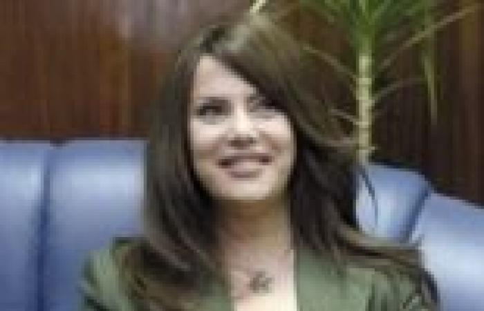 جيهان منصور تنعي اللواء فراج: نحتسبه شهيدا