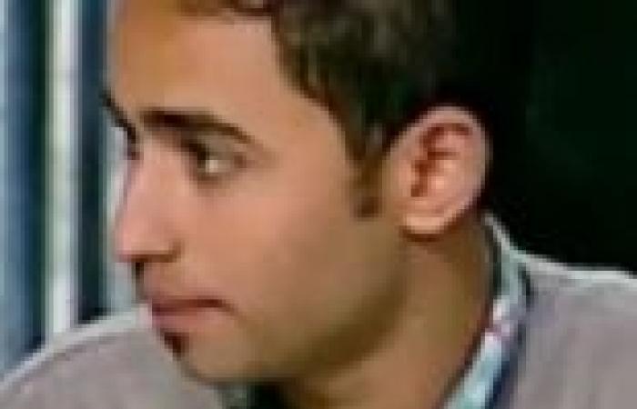"""مناقشة كتاب """"من خلف النظارة السوداء"""" للمؤلف الشاب محمد أيوب في ندوة لـ""""جبهة ثوار السويس"""""""