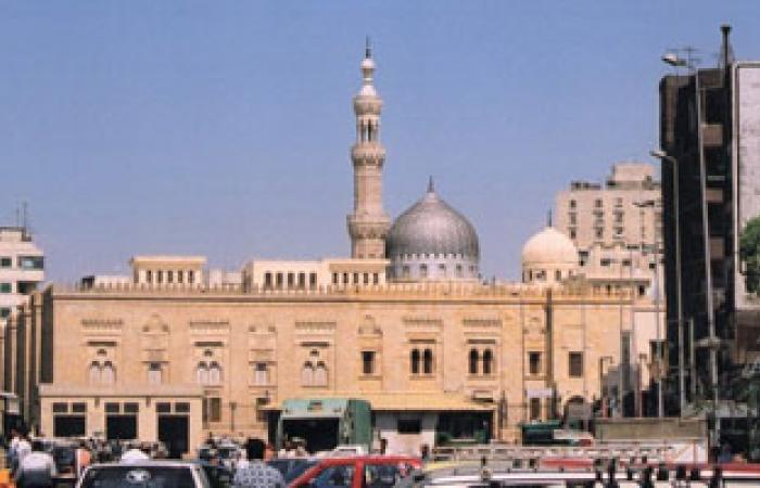 إمام السيدة زينب: أوقفونى عن العمل بحجة تعيين عمالة متطوعة بالمسجد