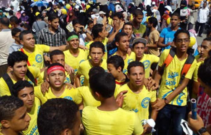 شباب يرتدون أقنعة فانديتا فى مسيرتين للإخوان بالإسماعيلية