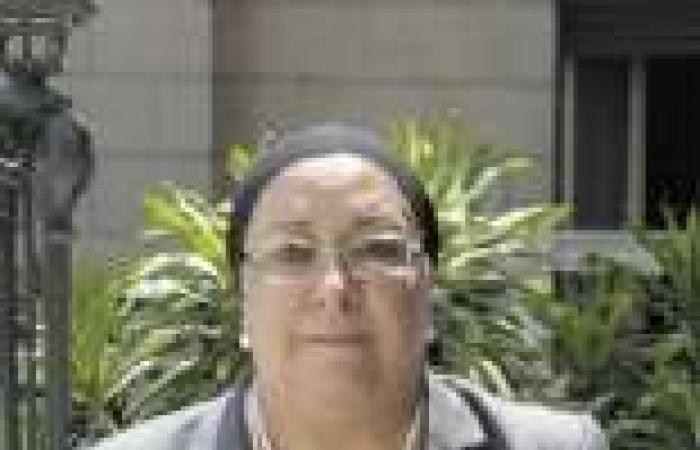 وزيرة الصحة تغادر القاهرة متوجهة إلى الرياض