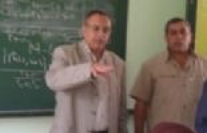بالصور| مدير إدارة غرب المحلة يتفقد المدارس في أول أيام العام الجديد