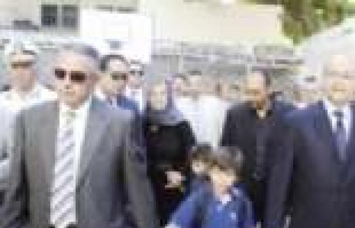 وزير التعليم يصطحب نجلى اللواء نبيل فراج إلى مدرستهما بحضور زوجة الشهيد