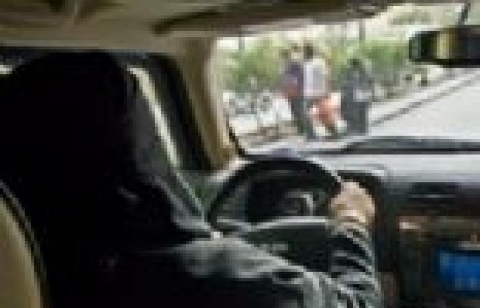 غرامة لمالكي سيارات بالسعودية لسماحهم لنساء بالقيادة