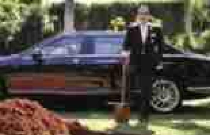 برازيلى يدفن سيارته الـ«بنتلى» ليركبها فى «العالم الآخر»