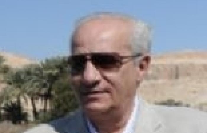 محمد إبراهيم يبحث تسجيل جميع قطع الآثار إلكترونيا