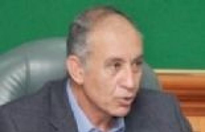 محافظ البحر الأحمر يتفقد قرى حلايب وشلاتين.. ويعد بحل مشكلاتها