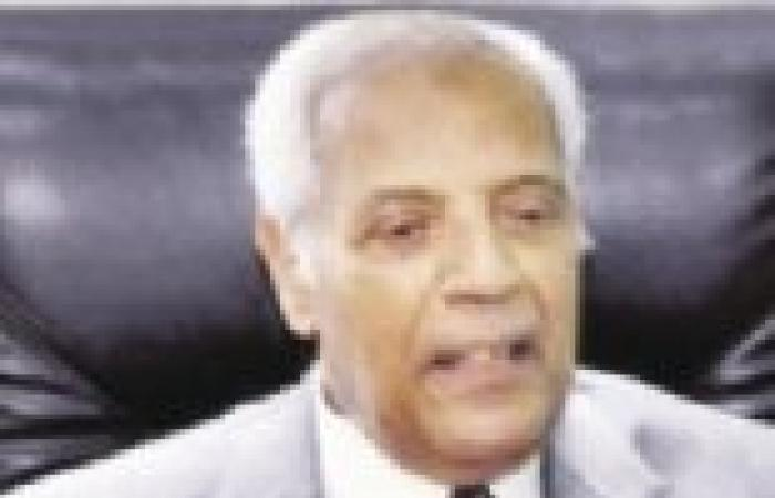 """المدعي العام العسكري الأسبق: الدستور الجديد ينص على انتهاء سلطة """"الفراعنة"""""""