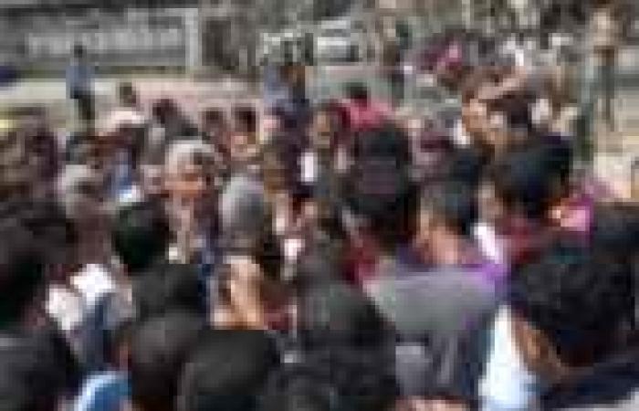 """أهالي قرية بالغربية يقطعون طريق """"المحلة- محلة زياد"""" احتجاجا على مقتل شخص"""