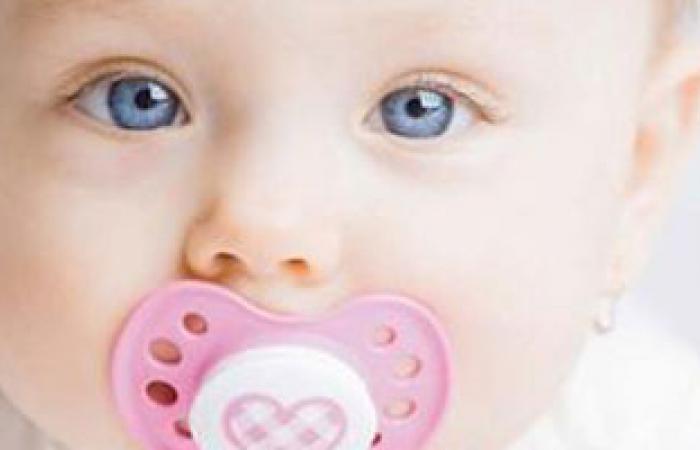"""استخدام """"السكاتة"""" يمكن أن يؤدى إلى تشوهات فى الفك العلوى للأطفال"""