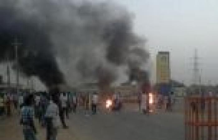 الشرطة السودانية: مسلحون مجهولون قتلوا 4 متظاهرين الجمعة