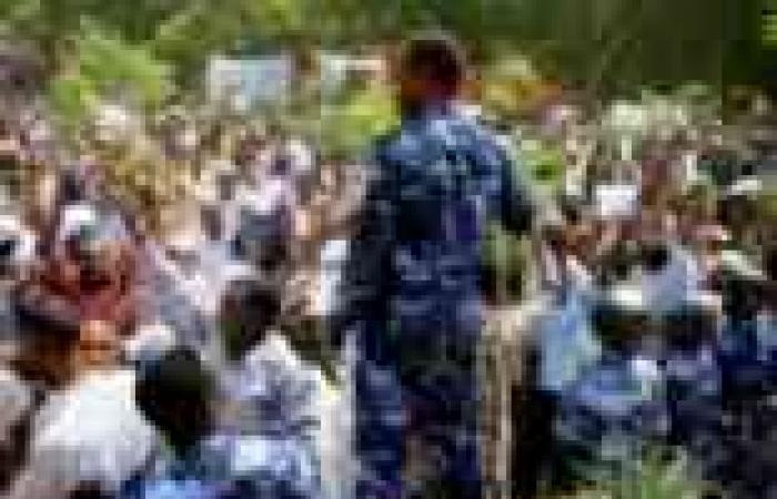 صحفيون بالسودان يبدأون إضرابًا عن العمل احتجاجًا على التضييق على وسائل الإعلام