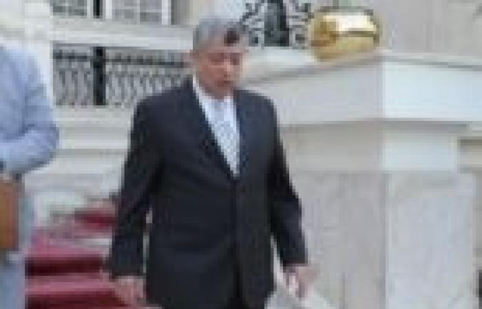 وزير الداخلية يشهد حفل تخريج أول دفعة لضباط الشرف