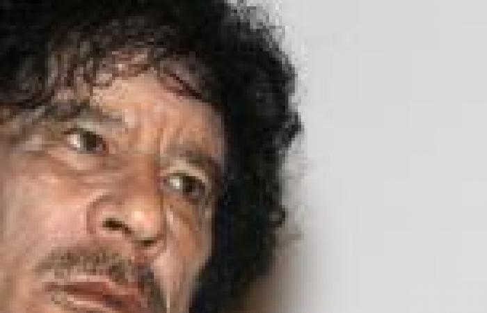 «ديلى تليجراف»: المخابرات البريطانية خططت لتهريب «القذافى» خلال الثورة