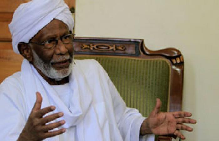 حزب المؤتمر الشعبى السودانى يدين اعتقال ابنة حسن الترابى