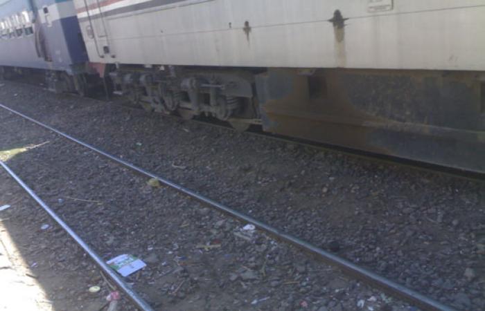 بالصور.. الحياة تدب بمحطات أسوان بعد التشغيل الجزئى للقطارات