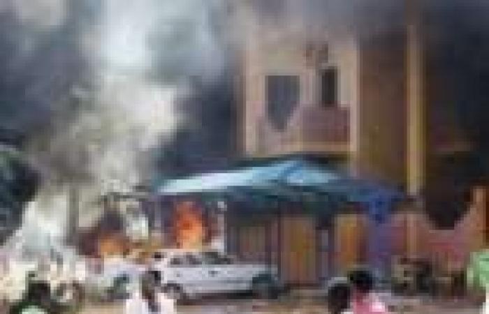 السيطرة على حريق نشب بالسوق الشعبي في الخرطوم