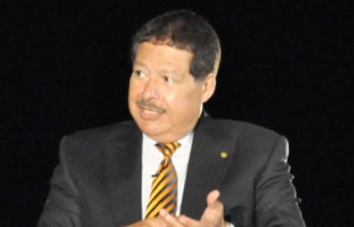 أحمد زويل يهنئ الشعب المصرى بعيد الأضحى