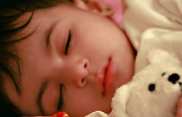 عدم انتظام نوم الأطفال يحد من تطور المخ ويعرضهم لمشاكل سلوكية