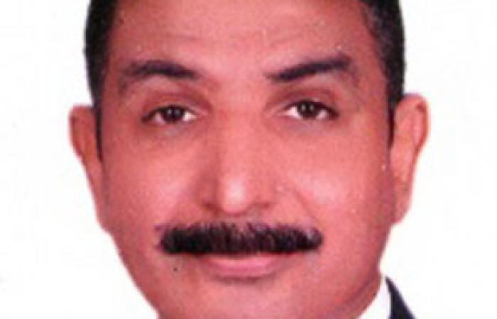 """رئيس """"المركزى للتعمير"""" يبحث مع إبراهيم محلب شروط الإسكان الاجتماعى"""