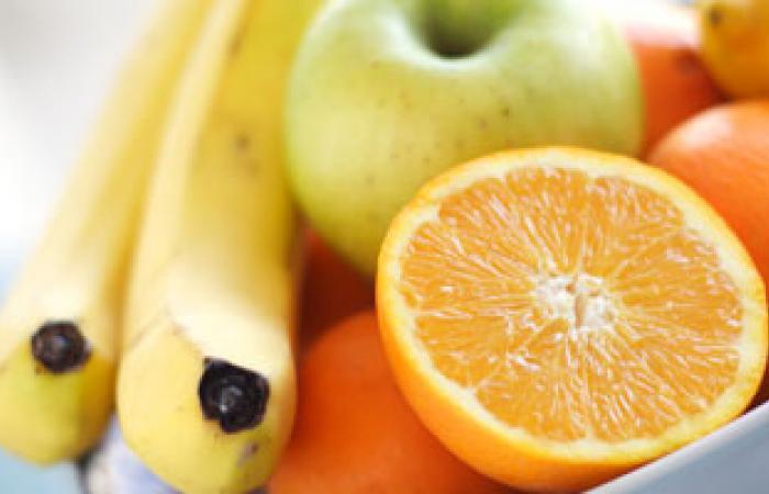 أستاذ تغذية: تناول الفاكهة قبل الطعام تؤدى إلى الهضم بسهولة