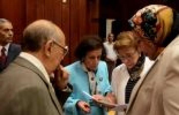 """""""قومي المرأة"""" يطلق حملة لجمع توقيعات من نساء مصر لضمان تمثيل عادل للمرأة في الدستور"""