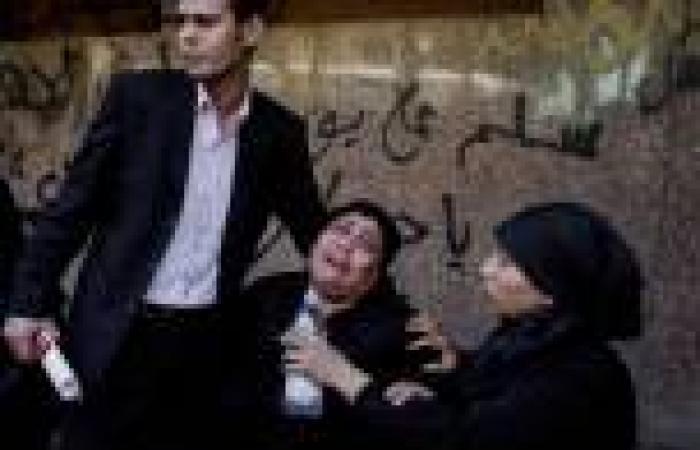 بالصور.. أهالي ضحايا حادث «كنيسة الوراق» أمام المشرحة لتسلم جثث ذويهم