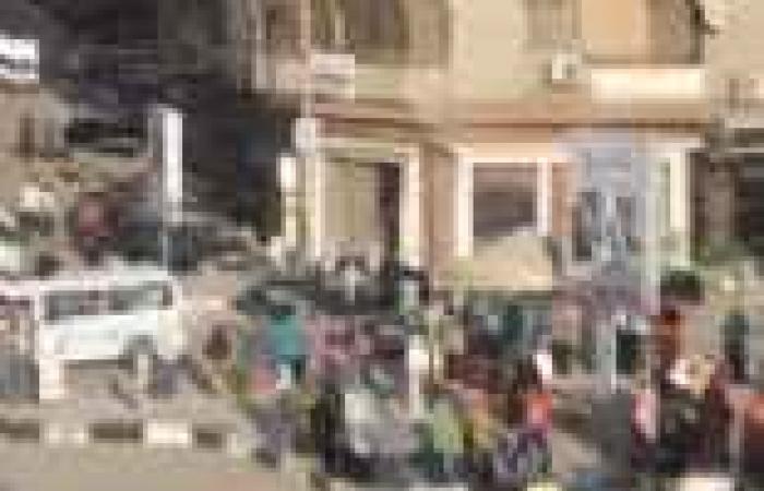 """ضابط يتهم """"الإخوان"""" بالاعتداء عليه خلال حملة إزالة إشغالات بالفيوم"""