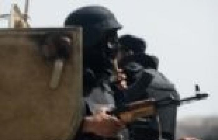 """رئيس """"الدستور"""": قانون التظاهر يطلق سلطات الأمن.. ويجعل المكان الأنسب للاحتجاج هو الصحراء"""