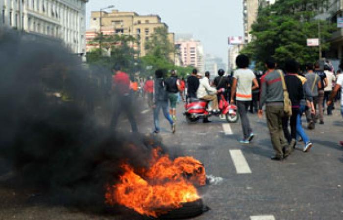 المنظمة المصرية تدين اعتداء الإخوان على الصحفيين أثناء محاكمة مرسى