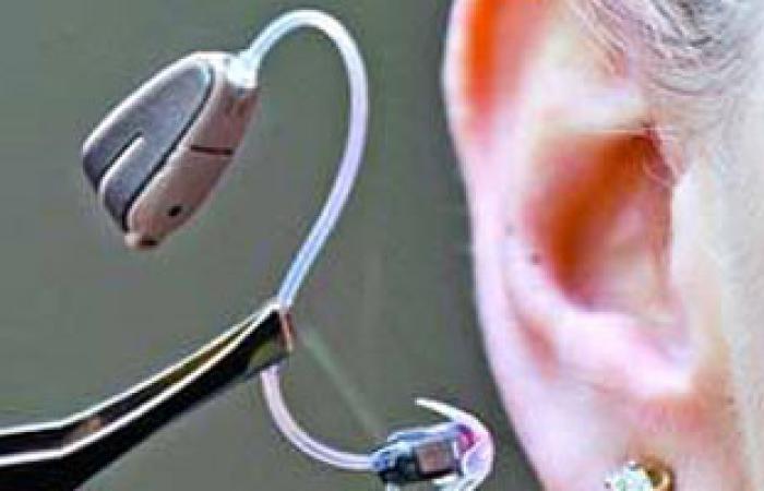 علماء يطورون جهازا يساعد الكثير من الصم على السمع